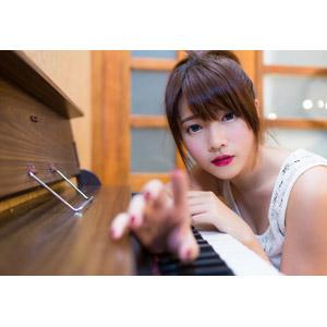 フリー写真, 人物, 女性, アジア人女性, 中国人, 欣欣(00001), タッチする, オルガン, 楽器, 鍵盤楽器, 音楽
