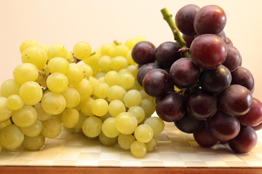 フリー 写真マスカットとブドウ