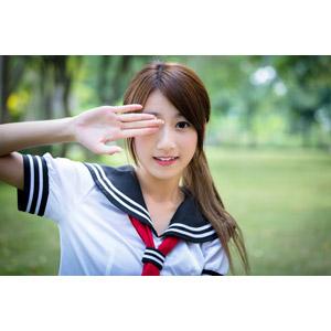 フリー写真, 人物, 女性, アジア人女性, 少女, アジアの少女, 中国人, 女性(00009), セーラー服(学生服), 学生服, 学生(生徒), 高校生, 目を覆う, ポニーテール