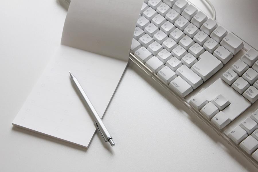 フリー 写真メモ帳とシャーペンとキーボード