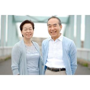 フリー写真, 人物, カップル, 夫婦, 老人, 日本人, 祖父(おじいさん), 祖母(おばあさん), 二人, 祖父(00010), 祖母(00011), 笑う(笑顔)