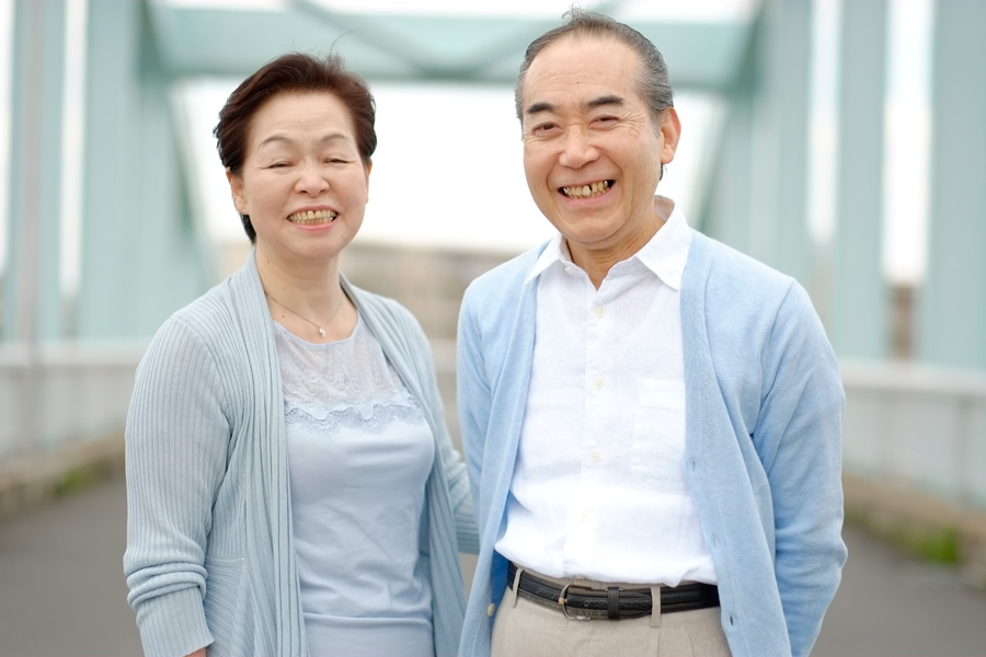 フリー 写真笑顔の老夫婦