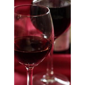 フリー写真, 飲み物(飲料), お酒, ワイン, 赤ワイン, ワイングラス