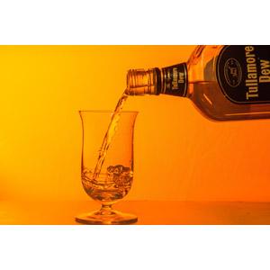 フリー写真, 飲み物(飲料), お酒, ウイスキー, オレンジ色