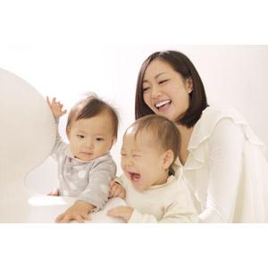 フリー写真, 人物, 親子, お母さん(母親), 子供, 赤ちゃん, 笑う(笑顔), 女性(00015), 三人, 日本人
