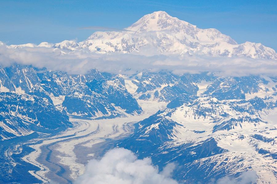 フリー 写真雪に覆われた山と氷河の風景