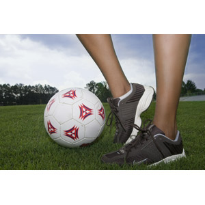 フリー写真, 人体, 足, 脚, スニーカー, スポーツ, 球技, サッカー