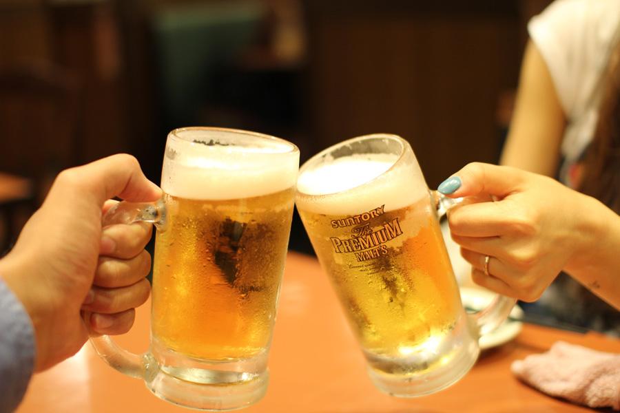 フリー 写真生ビールで乾杯