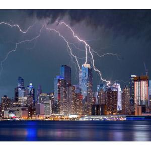 フリー写真, 風景, 建造物, 建築物, 高層ビル, 都市, 夜景, 夜, アメリカの風景, ニューヨーク, 落雷(カミナリ)
