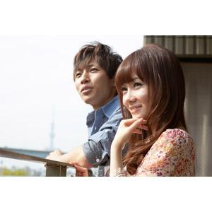 フリー写真, 人物, カップル, 恋人, 日本人, 男性(00028), 二人, 眺める, 女性(00030)