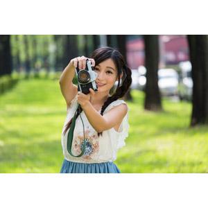 フリー写真, 人物, 女性, アジア人女性, 江滴滴(00013), 中国人, 写真撮影, カメラ, 一眼レフカメラ, ペンタックス, ツインテール, ノースリーブ