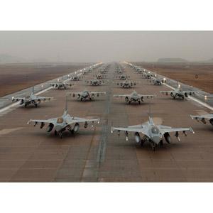フリー写真, 乗り物, 航空機, 飛行機, 兵器, 戦闘機, F-16 ファイティング・ファルコン, アメリカ軍, 韓国軍