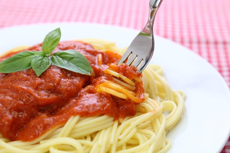 フリー 写真トマトソースパスタ