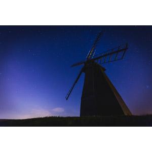 フリー写真, 風景, 建造物, 建築物, 風車, 夜, 夜空, 星(スター)