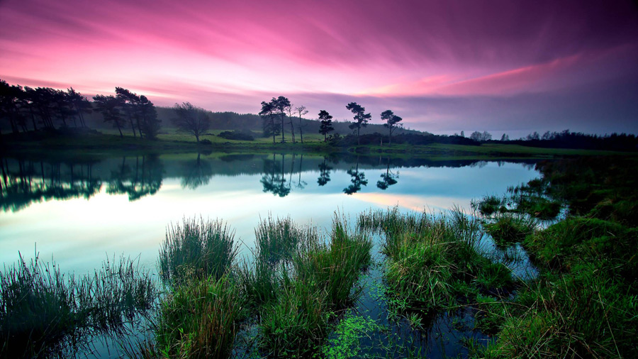 フリー写真 夕暮れの川の風景