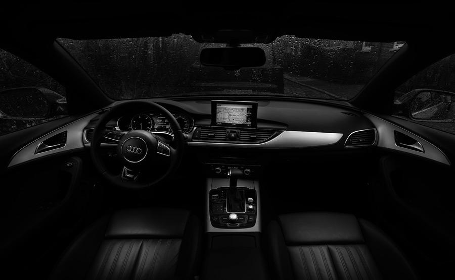 フリー写真 車の運転席の風景
