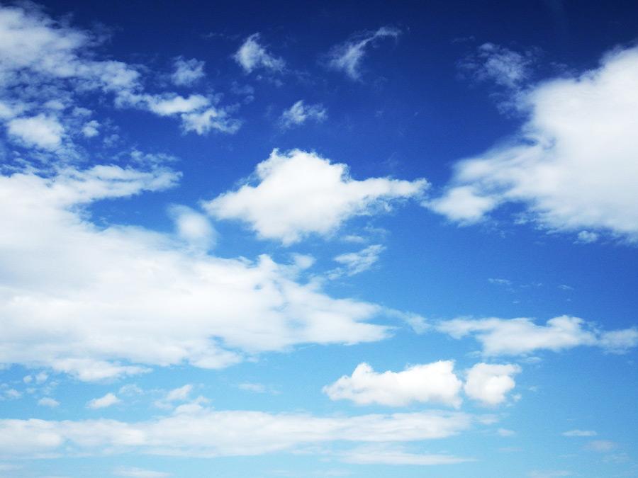 フリー写真 雲と青空の風景