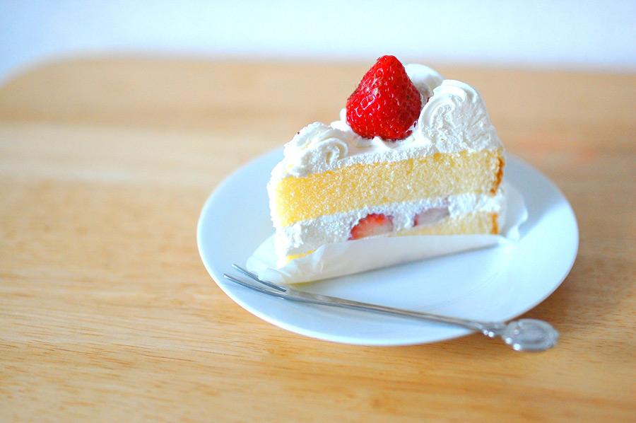 フリー写真 イチゴのショートケーキ
