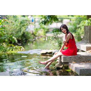 フリー写真, 人物, 女性, アジア人女性, 中国人, Neo Li(00040), ドレス, 河川, 波紋