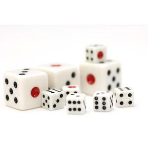 フリー写真, サイコロ, 玩具(おもちゃ), ゲーム, 賭博(ギャンブル), 白背景