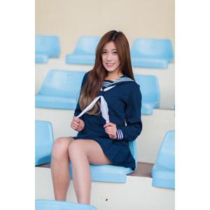 フリー写真, 人物, 女性, アジア人女性, 少女, アジアの少女, 楚珊(00053), 中国人, セーラー服(学生服), 学生服, 学生(生徒), 高校生, 座る(椅子), 観客席