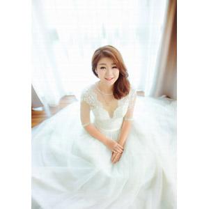 フリー写真, 人物, 女性, アジア人女性, 花嫁(新婦), ウェディングドレス, 結婚式(ブライダル), ネックレス