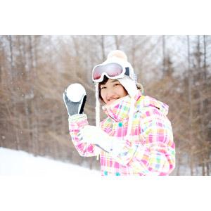 フリー写真, 人物, 女性, アジア人女性, 日本人, 女性(00043), 雪, 雪合戦, 冬, スノーゴーグル