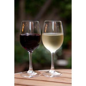フリー写真, 飲み物(飲料), お酒, ワイン, 赤ワイン, 白ワイン, ワイングラス