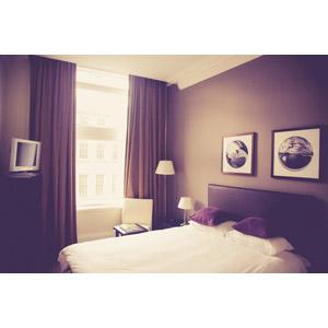 フリー写真, 風景, 部屋, 寝室(ベッドルーム), ベッド, 液晶テレビ