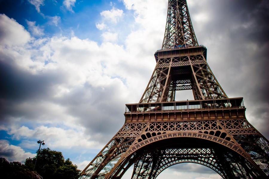 フリー写真 エッフェル塔と雲の風景