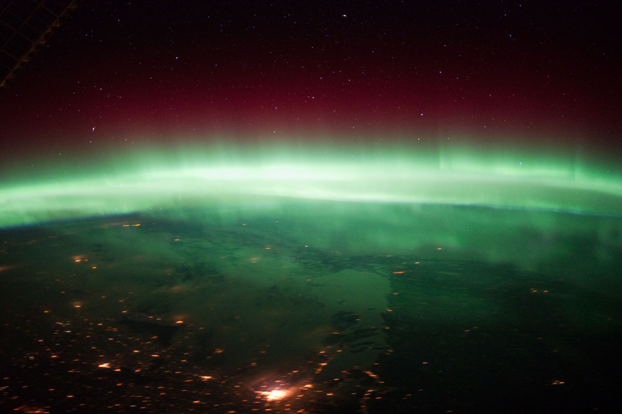 フリー写真 宇宙から見るオーロラの風景