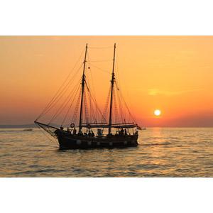 フリー写真, 乗り物, 船, 帆船, 風景, 海, 夕暮れ(夕方), 夕焼け, 夕日