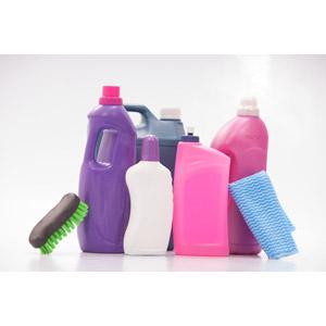 フリー写真, 掃除(清掃), 掃除用具, 洗剤, 掃除用洗剤, 布巾(ふきん), たわし, 白背景