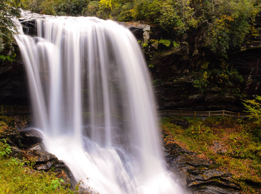 フリー写真 ノースカロライナ州のドライ滝の風景
