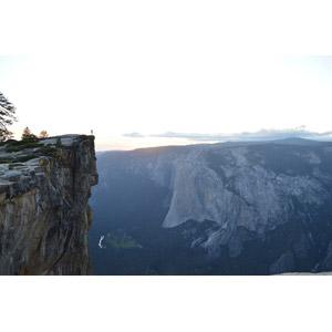 フリー写真, 風景, 渓谷, 崖, 人と風景, ヨセミテ国立公園, カリフォルニア州, アメリカの風景