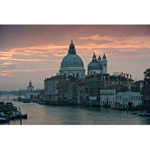 フリー写真, 風景, 建造物, 建築物, 教会(聖堂), サンタ・マリア・デッラ・サルーテ聖堂, 夕暮れ(夕方), イタリアの風景, ヴェネツィア(ベネチア)