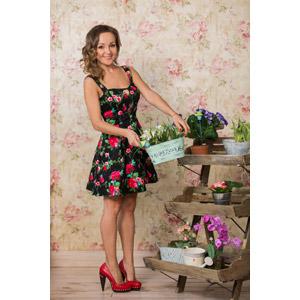 フリー写真, 人物, 女性, 外国人女性, 女性(00081), ロシア人, 園芸(ガーデニング), ワンピース, 人と花