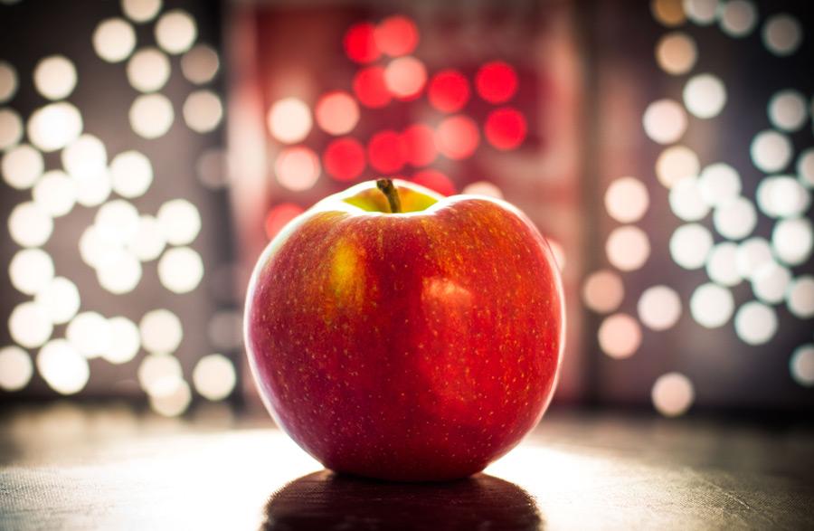 フリー写真 りんごと光の玉