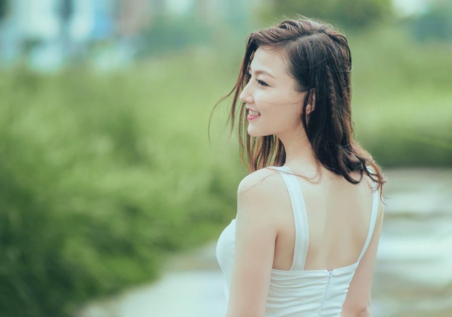 フリー写真 ベトナム人女性の横顔