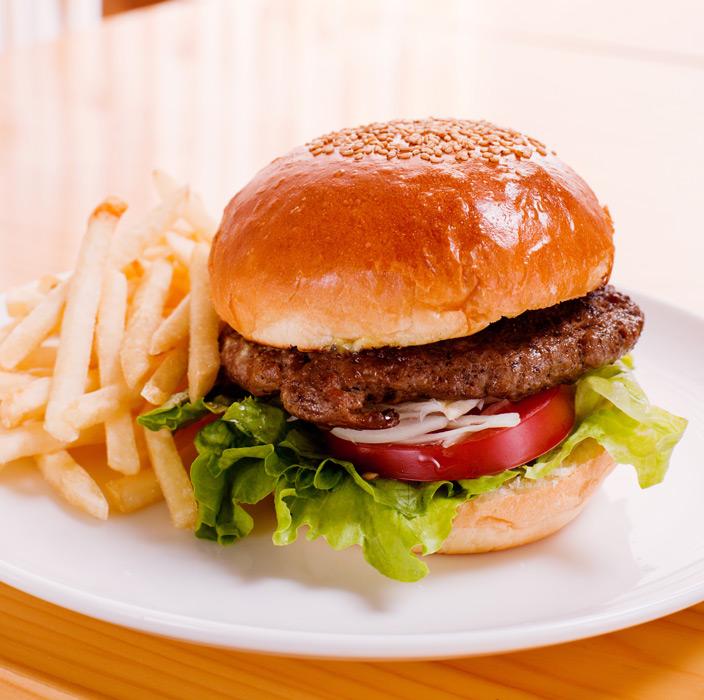 フリー写真 ハンバーガーとフライドポテト