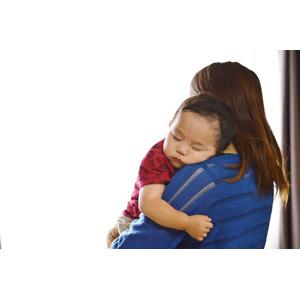 フリー写真, 人物, 親子, 母親(お母さん), 子供, 赤ちゃん, 寝る(寝顔), 日本人, 二人