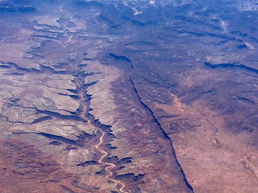 フリー写真 グレン・キャニオンとコロラド川の風景