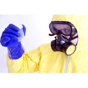 フリー写真, 人物, 男性, 外国人男性, 男性(00088), 職業, 仕事, 科学者, 実験, ガスマスク, 防護服, 科学