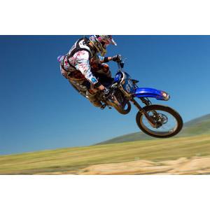フリー写真, 乗り物, バイク(オートバイ), モトクロス, 人と乗り物, モータースポーツ, 跳ぶ(ジャンプ)