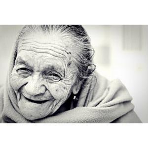 フリー写真, 人物, 老人, 祖母(おばあさん), メキシコ人, モノクロ, 笑う(笑顔)