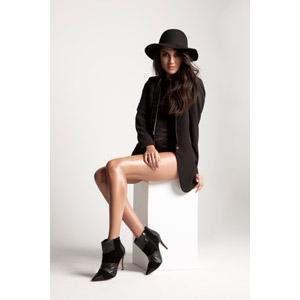 フリー写真, 人物, 女性, 外国人女性, 女性(00091), 職業, 仕事, ファッションモデル, レディースファッション, 帽子, キャペリンハット, ブーツ