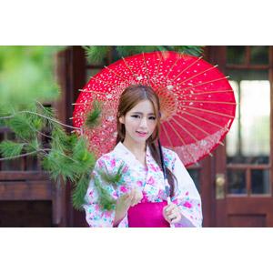 フリー写真, 人物, 女性, アジア人女性, Dora(00078), 中国人, 和服, 浴衣, 和傘, 傘, 松(マツ)