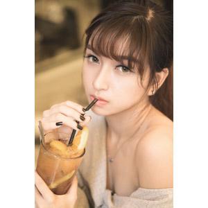 フリー写真, 人物, 女性, アジア人女性, 女性(00093), ベトナム人, 飲む