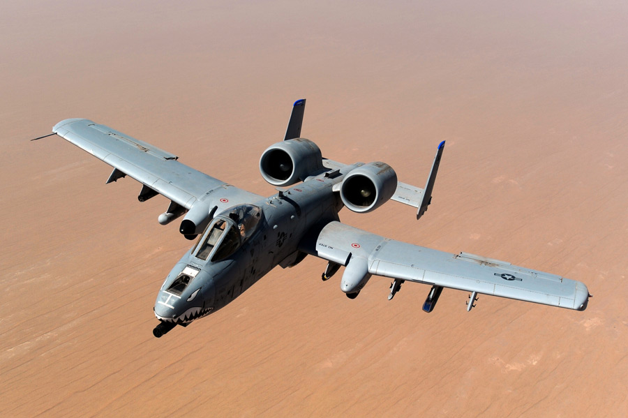 フリー写真 アフガニスタンの上空を飛ぶA-10 サンダーボルトⅡ