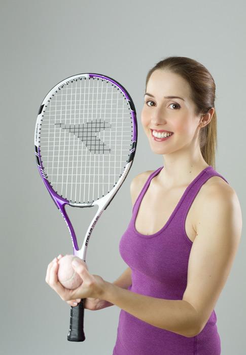 フリー写真 テニスをするフランス人女性